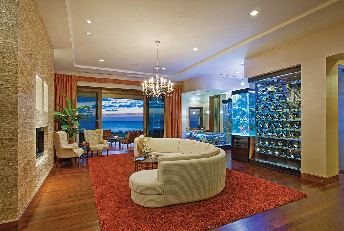 GRAND-SALON-AND-OCEANFRONT-LANAI