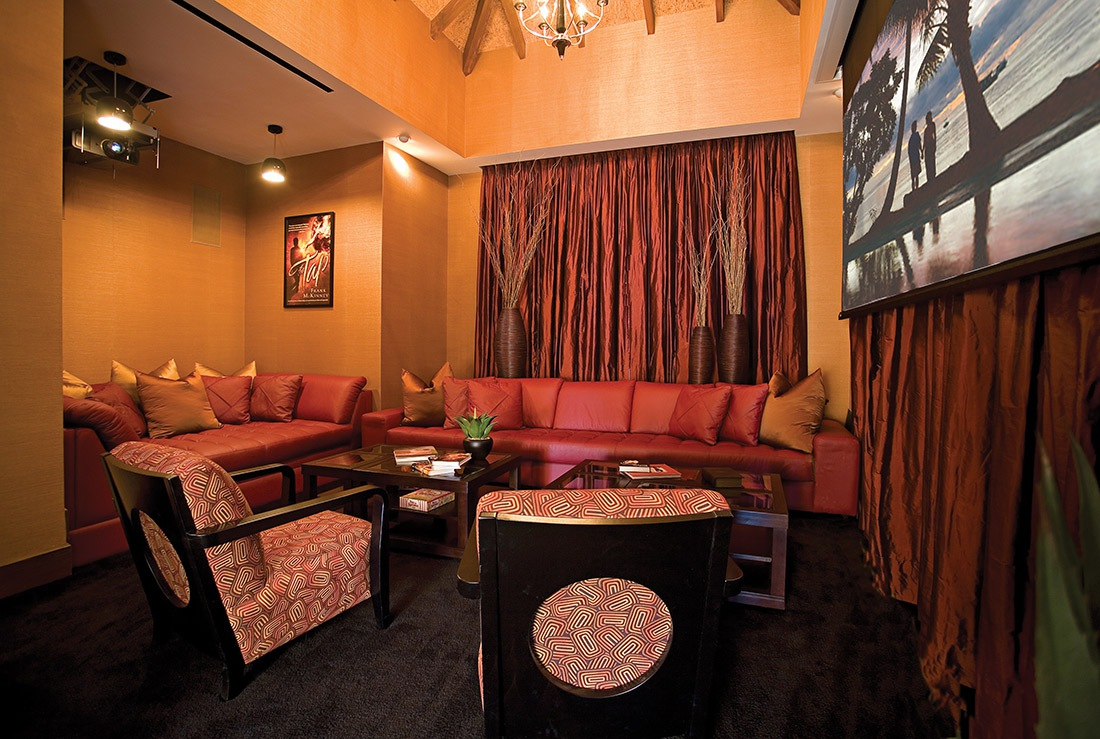HOLLYWOOD-THEATER-MEDIA-ROOM