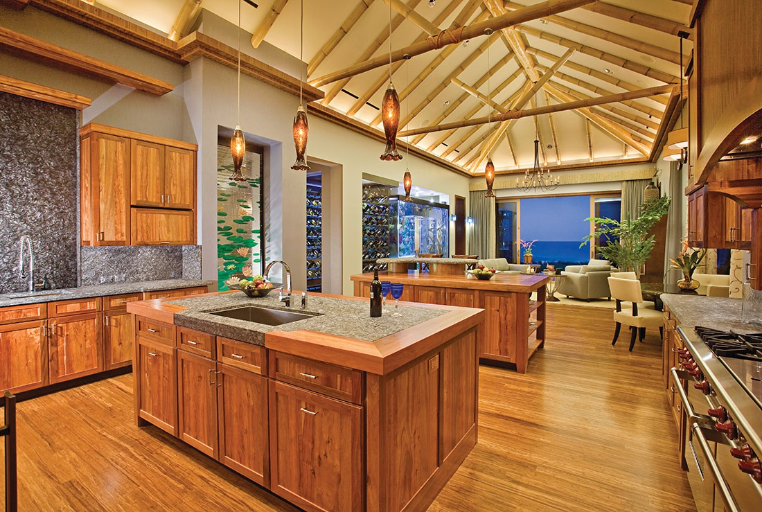 OCEANFRONT-KITCHEN-FAMILY-ROOM
